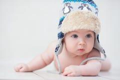 Baby in de winterhoed Royalty-vrije Stock Foto's