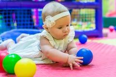 Baby in der Kindertagesstätte lizenzfreie stockbilder