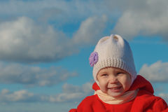 Baby in der warmen Kleidung Lizenzfreie Stockbilder