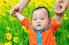 Baby die leert te lopen Royalty-vrije Stock Foto's