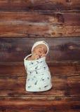 Baby in diepe gedachte Stock Afbeeldingen