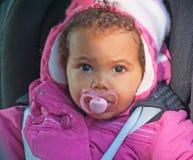 Baby in een autozetel Royalty-vrije Stock Fotografie
