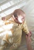 Baby in een babybed Royalty-vrije Stock Fotografie