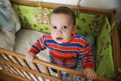 Baby in een voederbak Royalty-vrije Stock Fotografie