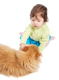 Baby en kat Royalty-vrije Stock Afbeelding