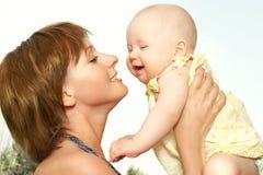 BABY EN MOEDER royalty-vrije stock afbeeldingen