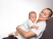 Baby en papa het koesteren Royalty-vrije Stock Afbeelding
