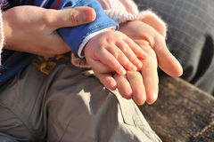 Baby hand and Mother hands Royalty Free Stock Photos