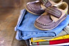 Baby-Kleidung Stockfotos