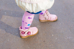 Baby legs in sandals Warm autumn Stock Photography