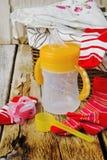 Baby matningsflaska Royaltyfria Bilder
