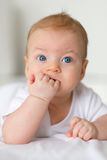 Baby met blauwe ogen Royalty-vrije Stock Foto