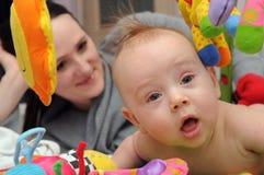 Baby met brij Royalty-vrije Stock Foto's