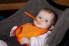 Baby met lepel Royalty-vrije Stock Afbeelding