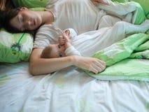 Baby met mamma Royalty-vrije Stock Foto
