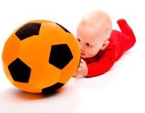 Baby met voetbalbal Royalty-vrije Stock Foto