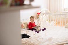 Baby met Zeef royalty-vrije stock afbeeldingen