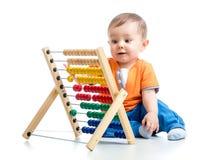 Baby mit Abakus Lizenzfreie Stockbilder