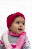 Baby mit rotem Stirnband stockfotografie