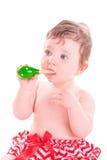Baby mit Schüttel-Apparatmusikinstrument lizenzfreies stockbild