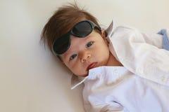 Baby mit Sonnenbrillen Lizenzfreies Stockfoto