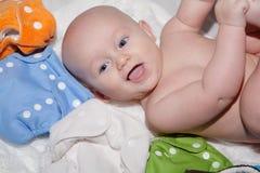 Baby mit Stoff-Windeln Stockfoto