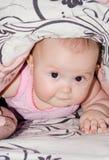 Baby onder de deken Royalty-vrije Stock Foto's