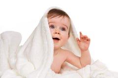 Baby onder deken Royalty-vrije Stock Afbeeldingen