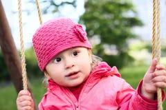 Baby op de schommeling royalty-vrije stock fotografie