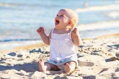 Baby op een strand Royalty-vrije Stock Foto