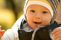 Baby in openlucht Stock Afbeelding