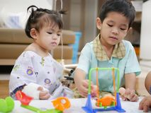 Free Baby Patient Playing Toys With Her Family Members Stock Images - 124840624