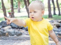 Baby pointing Royalty Free Stock Photography