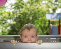 Baby in scheuren royalty-vrije stock afbeeldingen