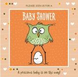 Baby showerkortmall med den roliga klotterfågeln Royaltyfri Bild