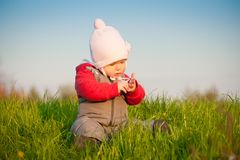 Baby sit on top of hill Stock Photography