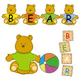 Baby-Teddybär mit Holzklotz Lizenzfreie Stockfotografie