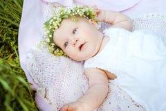 Baby- und Blumenmaiglöckchen Stockfotos