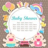 Baby und Mädchen duschen Sorgfalt mit Platz für Ihren Text Lizenzfreie Stockfotografie