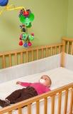 Baby in voederbak Royalty-vrije Stock Afbeeldingen