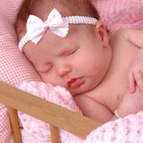 Baby in Voederbak Royalty-vrije Stock Afbeelding