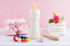 Baby zorg en het voeden Stock Foto's