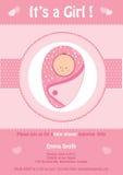 Babydouche, het ` s een kaart van de meisjes roze uitnodiging, met leuke baby Royalty-vrije Stock Fotografie