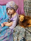 Babyjongen in Aziatisch binnenland Stock Afbeelding