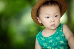 Babyjongen in de zomer royalty-vrije stock foto