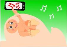 Babyjongen die aan muziek op de buik van het mamma luisteren Stock Afbeelding