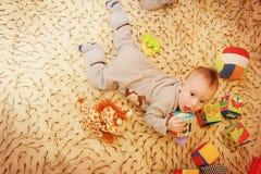 Babyjongen het spelen Royalty-vrije Stock Foto