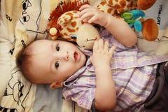 Babyjongen het stellen Stock Foto