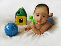 Babyjongen met speelgoed Royalty-vrije Stock Fotografie