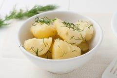 Babykartoffeln mit Dill Lizenzfreie Stockfotografie